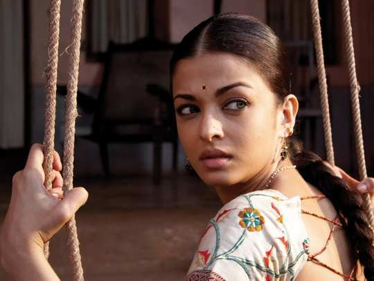 Aishwarya-rai-desi-girl.jpg1