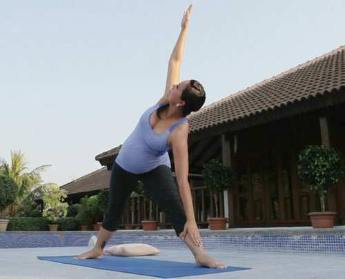 woman-.standing-side-stretch-pose-1