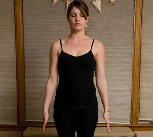 woman-doing-mountaion-pose