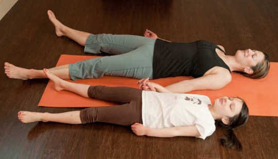yoga poses for mom and kid