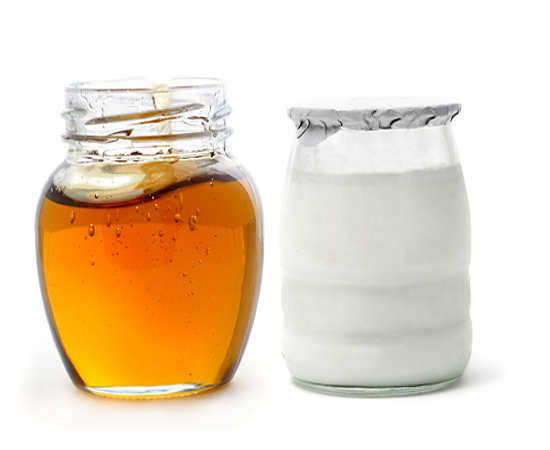 Yogurt-Honey-face-mask-for-acne