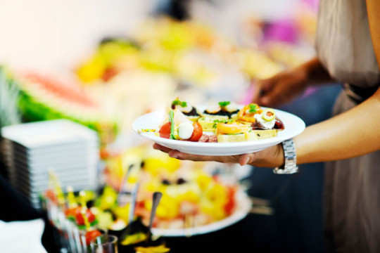 picking-small-plate-at-party