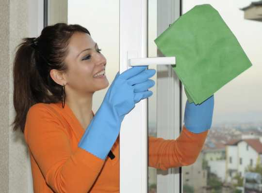 women-house-clean-up