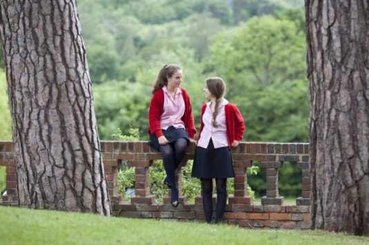 girl-bunk-school