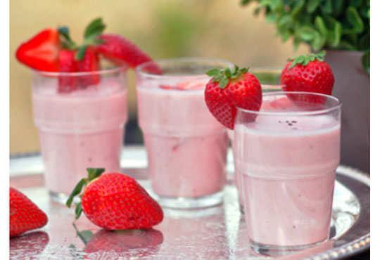 strawberry-lassi