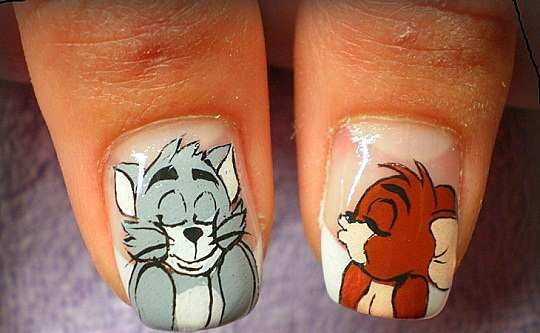 tom-and-jerry-nail-art