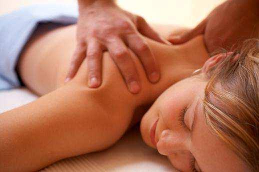 woman-back-massage