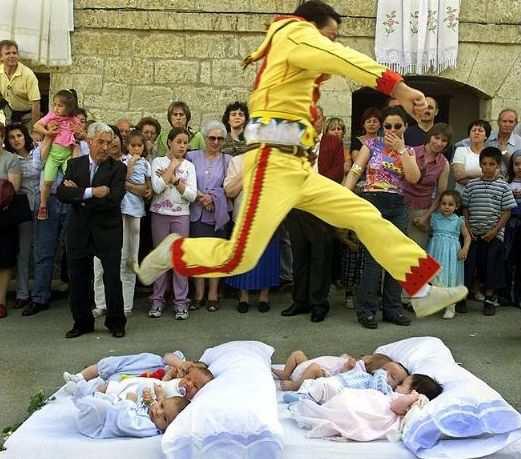 EL-Colacho-festival