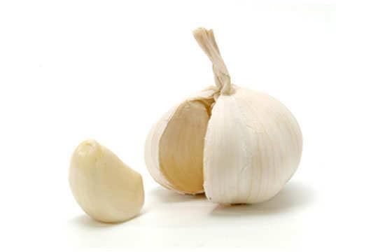 acidity-home-remedies-garlic