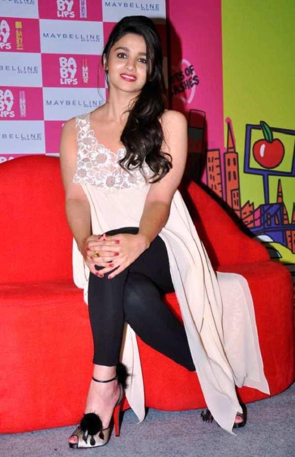 alia-bhatt-prom-shape-dress