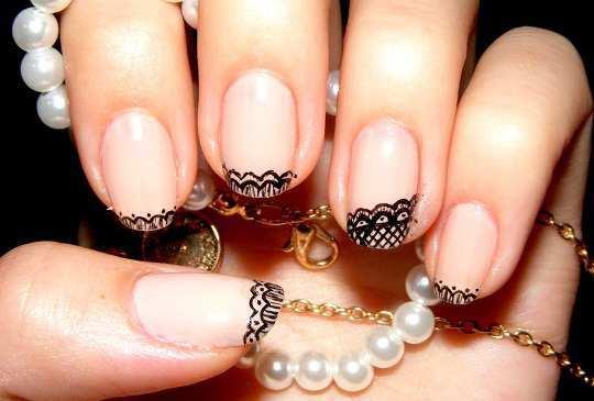 black-lace-nails