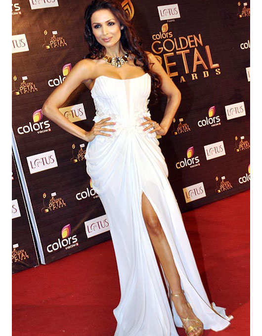 bollywood-stars-off-shoulder-dress-9