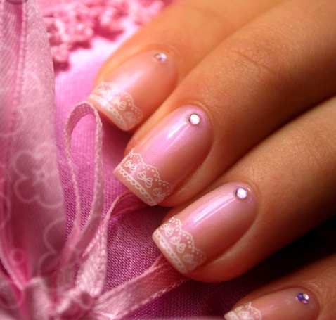 classy-lace-nails