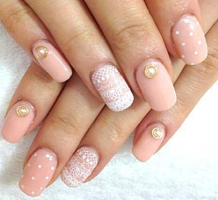 lace-nail-art-with-polka