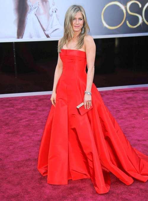 Jennifer-Aniston-at-Oscars-2013