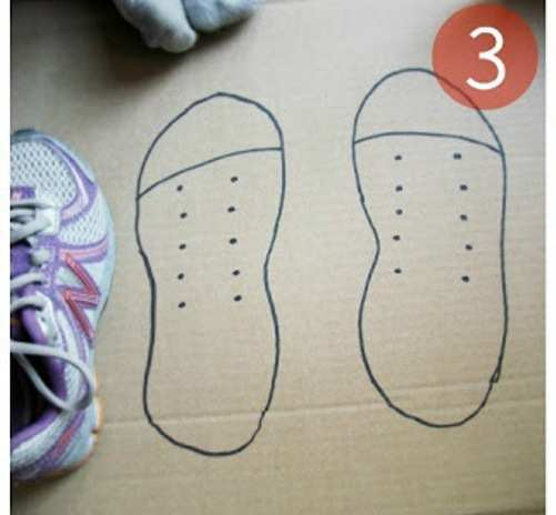 Shoe-Lace-DIY-Craft-with-Cardboard-step-3