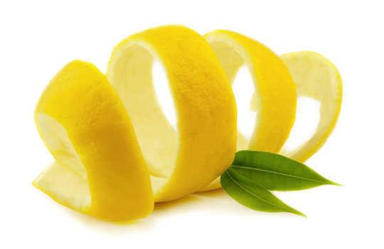 eyelashes-home-remedies-lemon-peels