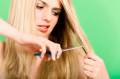girl-cutting-long-hair