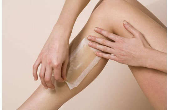 home-made-wax-hair-removal-application-4