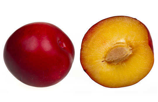 skin-blemishes-home-remedies-plum
