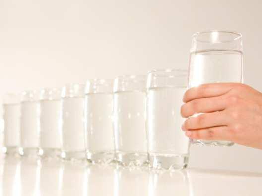 woman-drink-lots-of-water