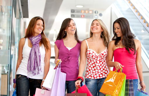 girl-in-shoping-mall
