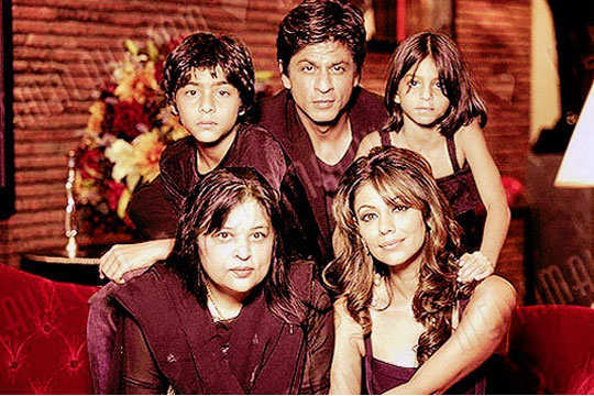 non-filmy-siblings-bollywood-6