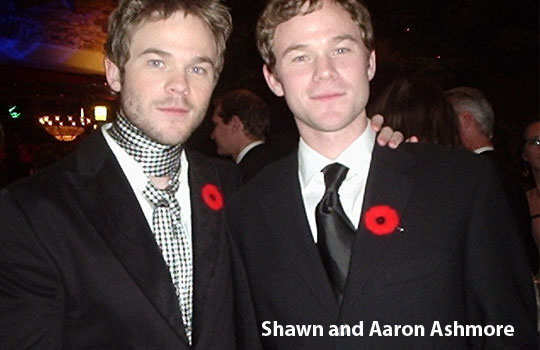 non-identical-twins-holyllwood-8