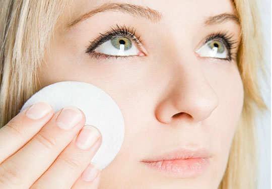 skin-care-routine-toning-5
