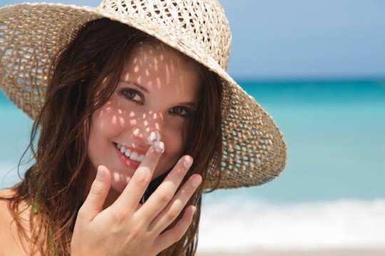 sun-tan-home-remedies-featured