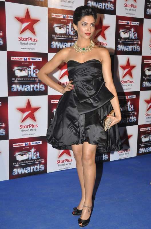 Deepika-Padukone-in-ita-awards