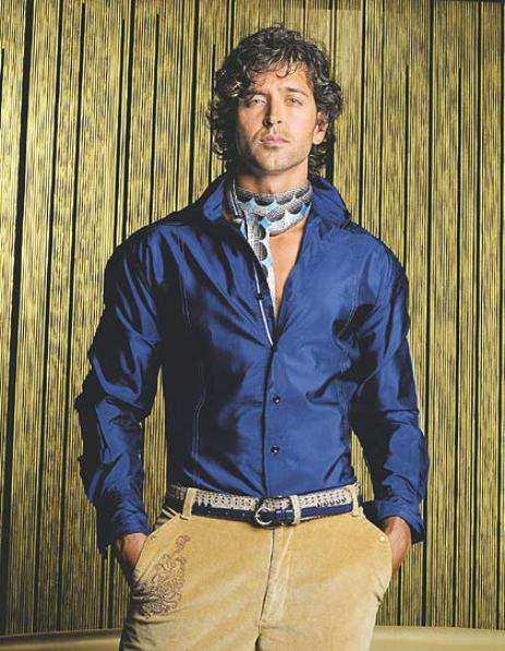 Hritik-Roshan-in-blue-shirt