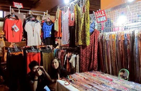 bangkok-shopping-clothes-1
