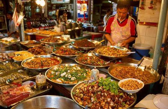 bangkok-shopping-street-food-2