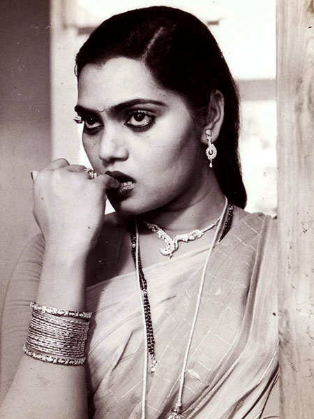 celebs-who-died-young-silk-smitha