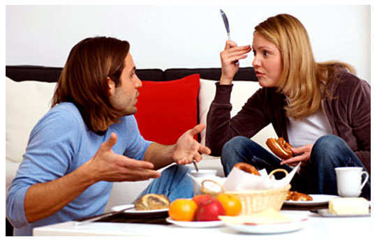 couple-food-fight-1