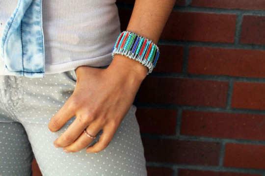 safety-pin-bracelet