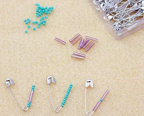 safety-pin-bracelet-diy-step-2