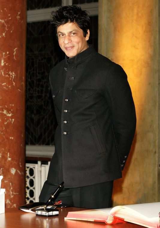 shahrukh-khan-collar-jacket