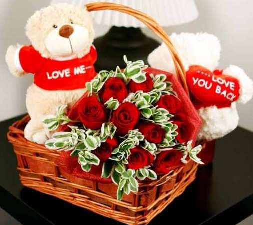 teddy-bears-with-roses