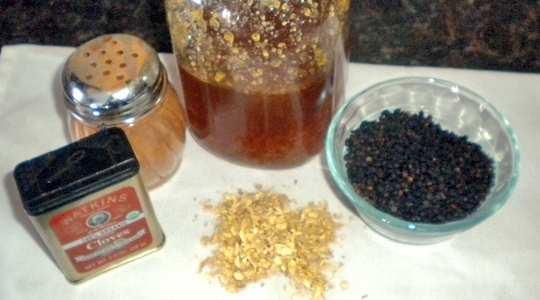 Homemade-Elderberry-Syrup
