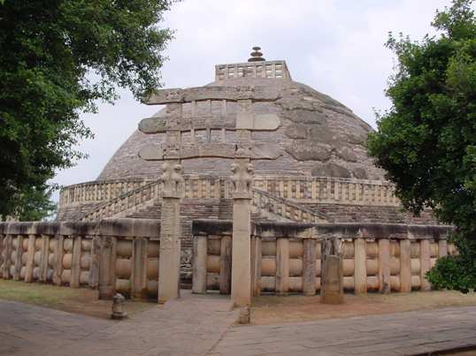 Stupas-at-Sanchi-1