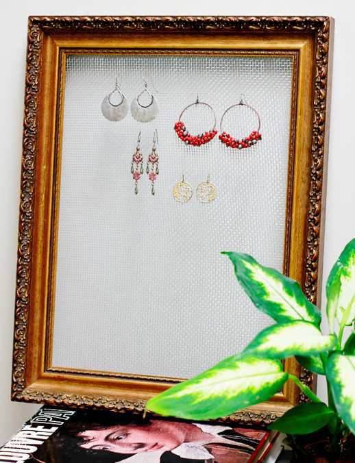 Wire-and-Frame-Earring-Display