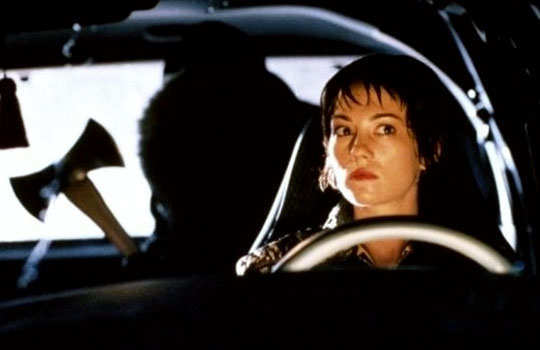 driving-safety-tips-for-women-drive-alone-2
