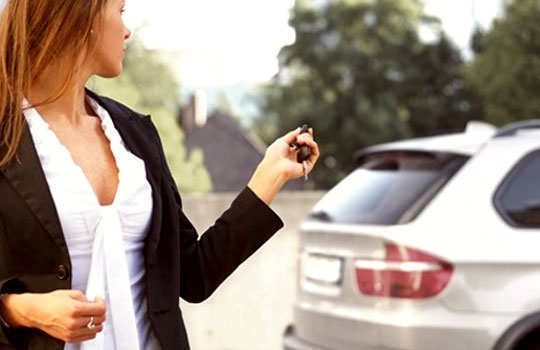 driving-safety-tips-for-women-drive-alone-7