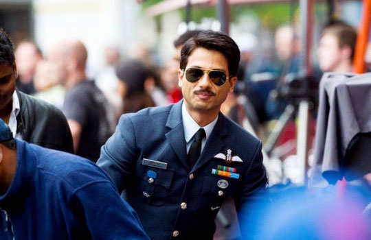 male-celebs-in-moustaches-1-a