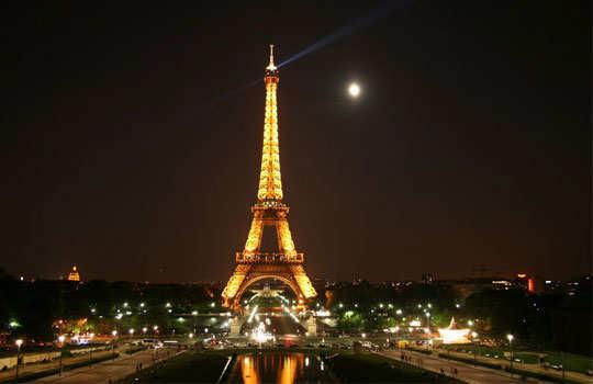 romantic-destinations-to-propose-paris