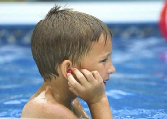 Home-remedies-for-swimmer-ear