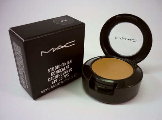 must-haves-mac-products-Studio-Finish-SPF-35-Concealer
