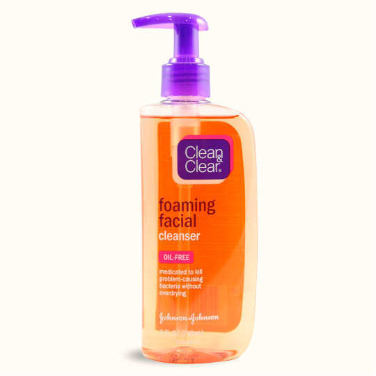 Clean-and-clear-foaming-face-wash
